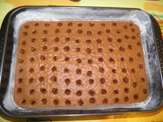 Jednostavni puding kolač s rupama Sheet Pan, Bread, Pizza, Cake, Kitchen, Food, Gardening, Basket, Tailgate Desserts