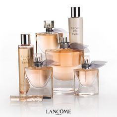 Explore the romantic, Parisian-chic world of Lancôme La Vie est Belle eau de parfum. Made with French essential oils, this perfume is a feminine and luxurious fragrance for all. Neutrogena, Creed Perfume, Parfum Spray, Smell Good, Girly Things, Makeup Tips, Drugstore Makeup, Bath And Body, Health And Beauty