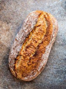 Enkelt eltefritt brød som er like godt til frokosten som til suppa eller gryteretten.