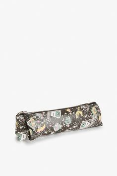 Get ur glam on with this fab little pencil case. Like A Boss, Monki, World Of Fashion, Pencil, Beaded Bracelets, My Style, Gifts, Shopping, Accessories