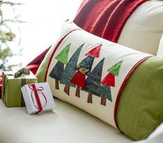 This quilted DIY tree pillow is a great holiday home decor craft. Sew holiday home decor pillows with this free pattern! Get this and more holiday DIY ideas and inspiration! Makers Guide: Quilted Tree Pillow with Sleeve