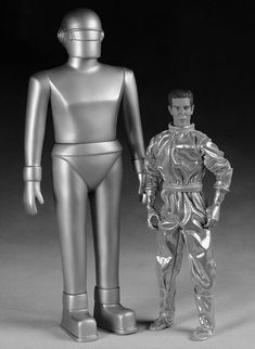 Gort & Klaatu - The Day The Earth Stood Still. I would have played with dolls if I had these as a kid.