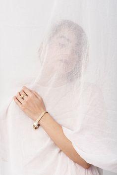 Designerul Otilia Mihalcea câștigă primul premiu acordat designului de accesorii la London Fashion Week - Designist