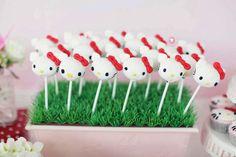 Hello Kitty cake pops #cakepops #hellokitty