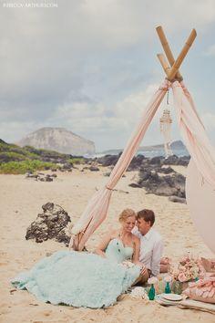 Hawaii beach wedding. Photo by Rebecca Arthurs. Styled by Jill La Fleur.