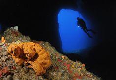 """Παντιερονήσι: το Κυκλαδίτικο """"Σπήλαιο του Διρού""""! • Travels by Travelers"""