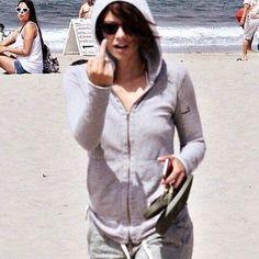 i'm not broken, maybe just a little chipped. Lauren Cohen, Walking Dead Pictures, The Walkind Dead, Twd Memes, Maggie Greene, Walking Dead Cast, Casting Pics, Beautiful Women, Photoshoot