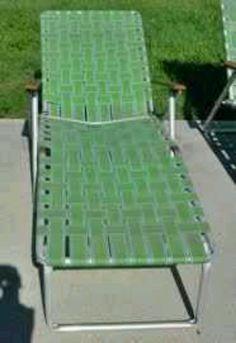 retro ligstoel met plastic spanband jaren 60-70