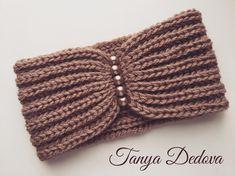 Best 12 No photo description available – Page 550987335655436484 Diy Tricot Headband, Easy Crochet Headbands, Crochet Turban, Crochet Headband Pattern, Crochet Cap, Knitted Headband, Crochet Beanie, Knitted Hats, Crochet Stitches Patterns