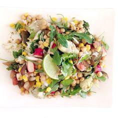 Salade (radis, riz, pois chiche, mais, mâche, artichaut, citron)
