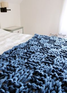 How to Arm Knit a Basket Weave Stitch Blanket | SimplyMaggie.com