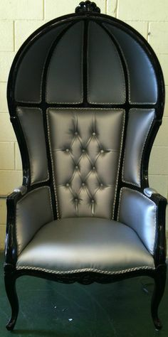 Silver and Black Porters Sofa Chair Domed Bonnet Throne King Chair.