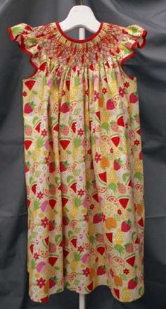 Great for summer: an angel sleeve bishop. Buy the Riley Blake fabric at our online shop at www.continentalsewing.com.