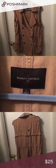Banana Republic Safari Vest New without tags, never worn. Super cute khaki vest, drawstring waist, pockets on either side Banana Republic Jackets & Coats Vests