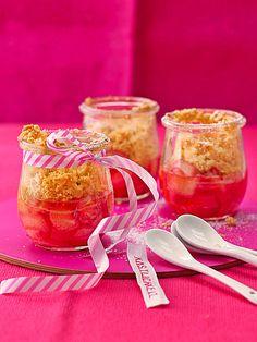 Rhabarber Crumble, ein beliebtes Rezept mit Bild aus der Kategorie Kuchen. 175 Bewertungen: Ø 4,7. Tags: Backen, Dessert, einfach, Frühling, Kuchen, Schnell, Sommer