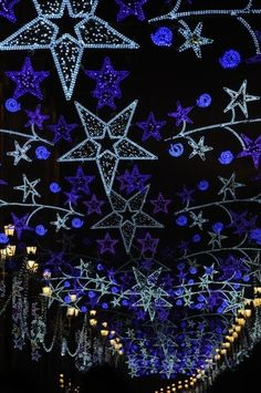 Christmas lights in Sevilla-- do this on the roof of the porch Blue Christmas Lights, Christmas Light Displays, Xmas Lights, Christmas Settings, Holiday Lights, Christmas Time Is Here, Merry Little Christmas, All Things Christmas, Christmas Holidays