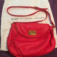 EXCELLENT Condition! Marc Jacobs cross body bag EXCELLENT Condition!!! Marc Jacobs Natasha Q cross body bag. Gently used, 3-4 times and kept in its own dust bag. Come with dust bag. Marc by Marc Jacobs Bags Crossbody Bags