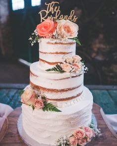 Rustic, chic, and oh so sweet! Bulk Wedding Flowers, Wedding Cake Roses, Diy Wedding, Dream Wedding, Wedding Ideas, Cheap Flowers, Types Of Cakes, Fondant Cakes, Sweet