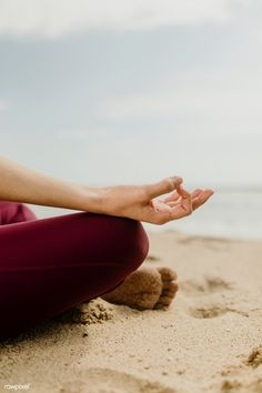 Meditation can help. Parsley Health LA Health Coach, Erica Zeller shares her favorite meditation classes in Los Angeles. Yoga Photos, Yoga Pictures, Beach Photos, Images Of Yoga, Yoga Inspiration, Photo Main, Pilates, Meditation Pictures, Beach Pink