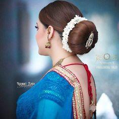 Indian Bun Hairstyles, Bun Hairstyles For Long Hair, Braids For Long Hair, Bride Hairstyles, Gorgeous Hairstyles, Cut Hairstyles, Beautiful Girl Indian, Beautiful Long Hair, Beautiful Places