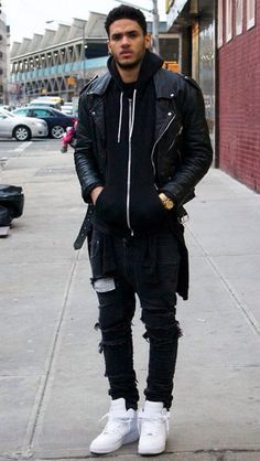 dope street style for men | long shirt and ripped jeans / oversized clothing in black is the latest fashion trend