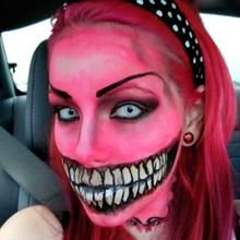 These Halloween face makeup Looks & Ideas will get you thinking. Embrace your inner monster, thanks to some Halloween face makeup and some creativity. Crazy Halloween Makeup, Halloween Make Up, Halloween Party, Halloween Costumes, Halloween Ideas, Creepy Halloween, Halloween 2014, Adult Halloween, Halloween Cosplay