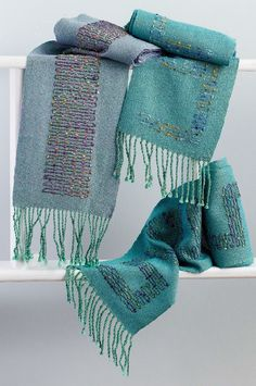 Learn the Theo Moorman inlay technique while #weaving these shimmering iridescent scarves from the Spring Weaving Pattern Pack!