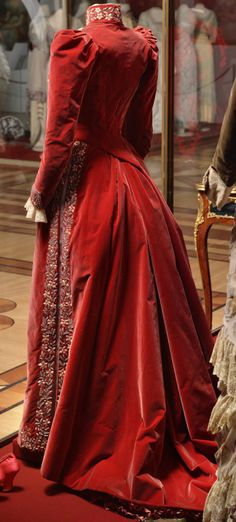Vintage dresses 1800 maria feodorovna 67 Ideas for 2019 1890s Fashion, Edwardian Fashion, Vintage Fashion, Antique Clothing, Historical Clothing, 1800s Clothing, Vintage Gowns, Vintage Outfits, Period Outfit