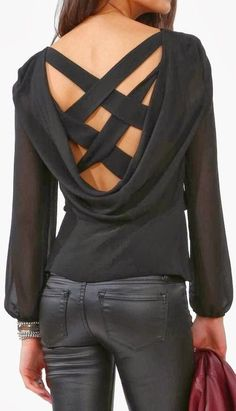 Adorable criss cross black blouse and leather pant fashion, great sexy look. Fashion Pants, Look Fashion, Fashion Beauty, Fashion Outfits, Womens Fashion, Fashion Trends, Fashion Fashion, Fashion Ideas, Pull Crop Top