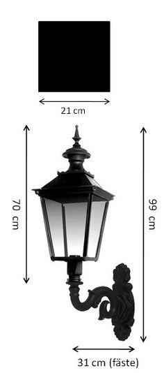 Fasadlykta Glimmerö M4 vägglampa (utomhus) i svartmålad gjutjärn. Välkommen in till Sekelskifte och våra klassiska utomhuslampor för sekelskifteshus!
