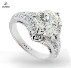Magic & Outstanding Diamond Ring