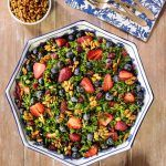 Healthy and delicious this make-ahead Strawberry Kale Salad with a honey lemon dressing and candied pepitas is perfect for summer entertaining! Strawberry Kale Salad, Fresh Corn Salad, Avocado Salad, Apple Salad, Healthy Salads, Healthy Eating, Healthy Recipes, Healthy Food, Delicious Recipes