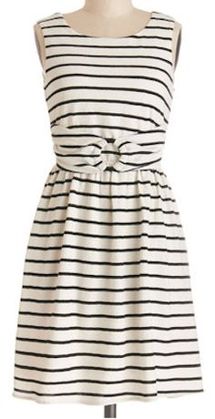 lovely striped dress http://rstyle.me/n/g3umnnyg6