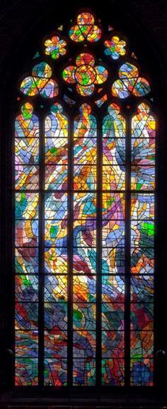 gótico Alfred Manessier, 1966 « Y Pfingstfenster Stained Glass Church, Stained Glass Art, Stained Glass Windows, Mosaic Glass, Fused Glass, Stained Glass Designs, Stained Glass Patterns, Tiffany Stained Glass, The Doors