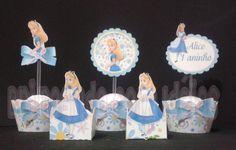 O kit contém:    1 Wrapper para Cupcake Pequeno  1 Tag  1 Forminha para doce    Confeccionado com papel color plus 180 gramas    Medidas Wrapper : 17,5 cm de largura x 3,5 cm de altura  Medida Tag: 6 cm x 6 cm  Medida Forminha: 3 cm x 3 cm largura - altura 5 cm    Pedido mínimo de 30 unidades    Valor do anuncio é por unidade R$ 3,50
