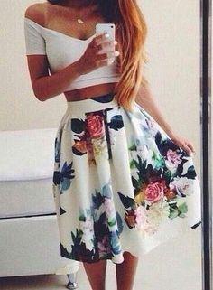 #street #style floral skirt + crop top @wachabuy