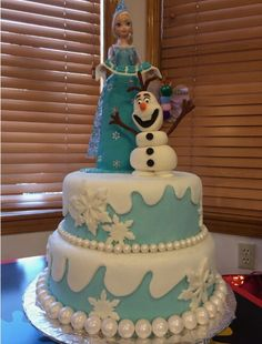 Elsa & Olaf cake