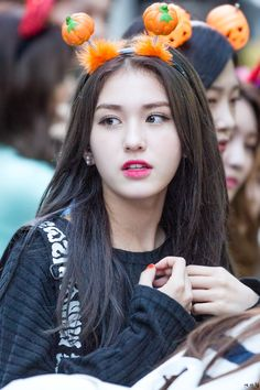 Find images and videos about ioi, somi and i.o.i on We Heart It - the app to get lost in what you love. Korean Girl Groups, South Korean Girls, Pretty People, Beautiful People, Jung Chaeyeon, Choi Yoojung, Kim Sejeong, Daniel Henney, Jeon Somi