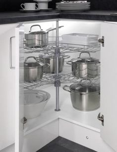 Four Seasons Kitchen Storage Solutions   270° Wire Carousel