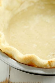 Extra Flaky Gluten Free Sour Cream Pie Crust This extra flaky gluten free pie crust is made with sour cream, gluten free flour, baking powder and salt, and rolls out beautifully. Your new favorite! Gluten Free Deserts, Gluten Free Sweets, Gluten Free Cakes, Foods With Gluten, Dairy Free Recipes, Gf Recipes, Pastry Recipes, Celiac Recipes, Dessert Recipes
