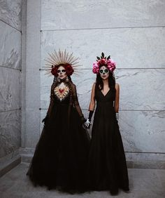day of the dead costume Halloween Inspo, Halloween Makeup Looks, Couple Halloween Costumes, Halloween 2020, Holidays Halloween, Halloween Diy, Halloween Scarecrow, Scary Costumes, Diy Costumes