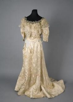 wedding dress, 1901, National Museum in Cracow