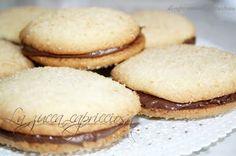 La zucca capricciosa: Frolle al cocco con la nutella e barrette con gocce di cioccolato, una super colazione