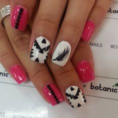 Pink tribal and feather Get Nails, Love Nails, How To Do Nails, Fabulous Nails, Gorgeous Nails, Pretty Nails, Funky Nails, Crazy Nails, Fingernails Painted