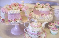 ideas for shabby chic baby shower cake tea time Pretty Cakes, Beautiful Cakes, Pasteles Shabby Chic, Cake Roses, Shabby Chic Cakes, Fake Cake, Shabby Chic Baby Shower, Soft Grunge, Cute Food