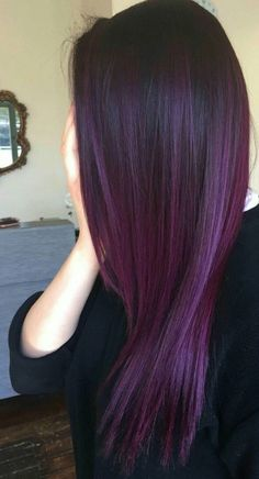 hair makeup ,Para as cacheadas at the crespas, dormir sem desmanchar os in this handset cachos parece até. Light Red Hair Color, Pretty Hair Color, Hair Color Purple, Hair Dye Colors, Ombre Purple Hair, Long Purple Hair, Violet Ombre, Violet Hair Colors, Purple Balayage