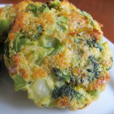 Baked Cheese & Broccoli Patties- yumm!!!!!! Sub almond flour for bread crumbs for low carb version.