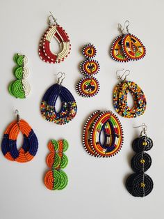 African Beaded Bracelets, African Beads Necklace, African Jewelry, Beaded Necklace, Women's Earrings, Crochet Earrings, African Fashion Traditional, African Fabric, Handmade Bracelets