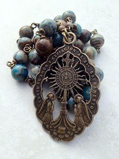 All Beautiful Catholic Beads: Blessed Sacrament Chaplet