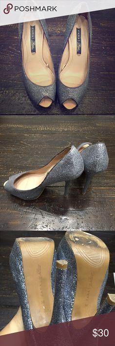 "Zara peep toe platform heels Zara platform peep toe heel in a sparkly silver/ grey. Excellent condition only worn once for wedding. 5"" heel with 1.5"" platform. Zara Shoes Heels"